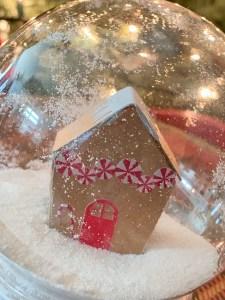Gingerbread Snowglobe