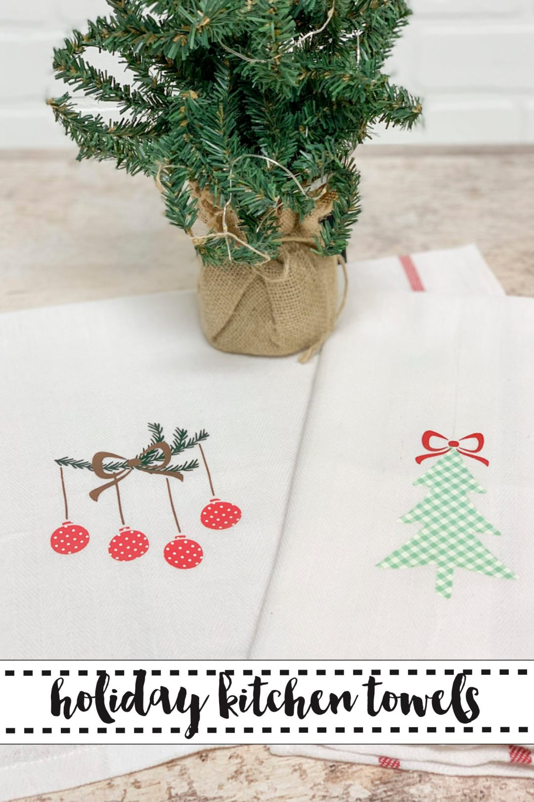 Holiday towels and Christmas Tree