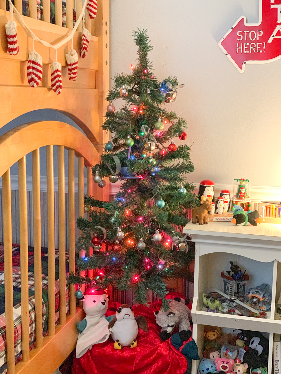 Kids Holiday Bedroom