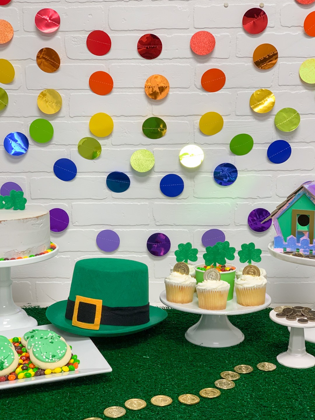 St. Patrick's Day Party Polka Dot Garland Green Hat Cupcakes