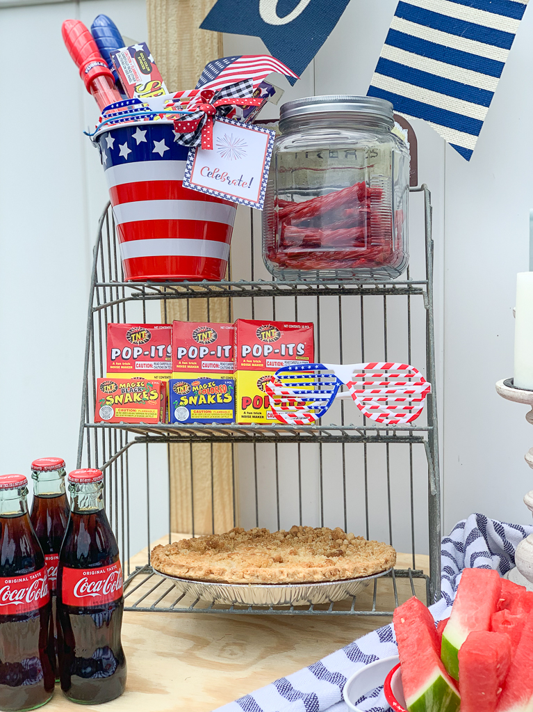 Apple Pie Fourth of July  Table