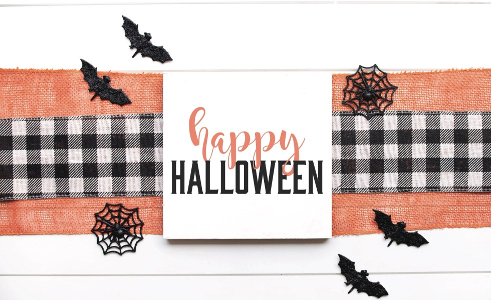 Farmhouse Halloween Sign