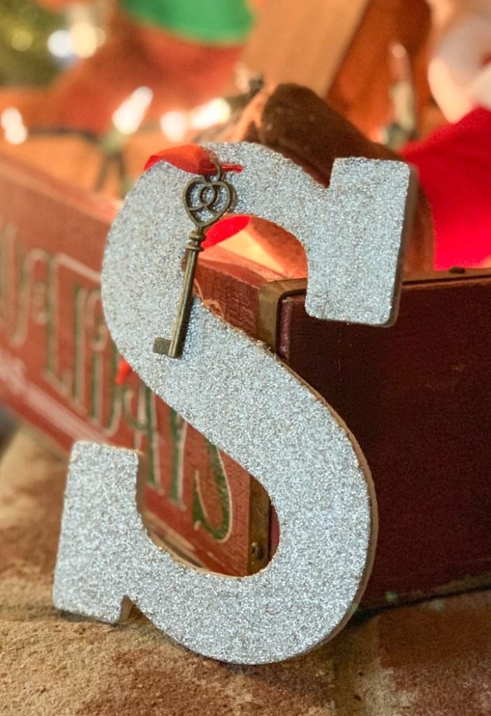 Glitter S Santa Key
