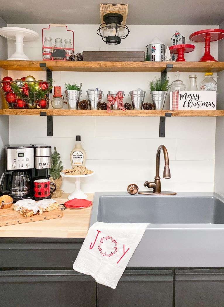 Christmas Farmhouse Kitchen