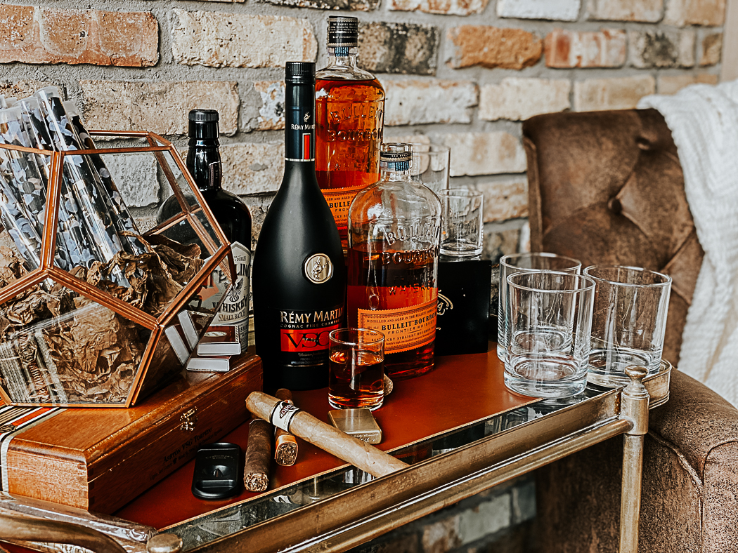 Cigar and Drink Bar