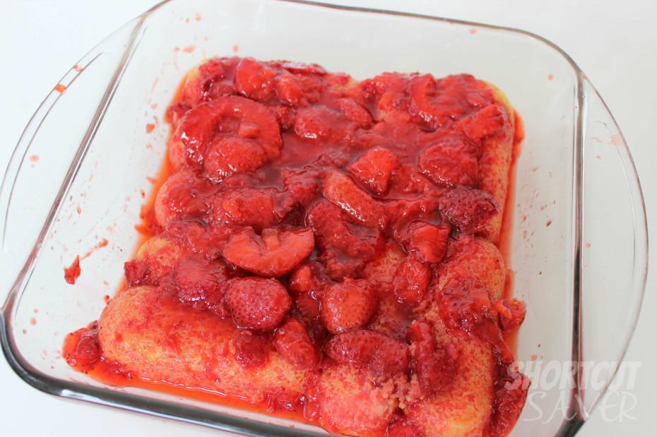 Twinkie Strawberry Dessert process 1