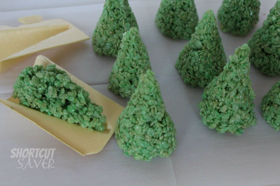 rice krispie treat christmas trees process