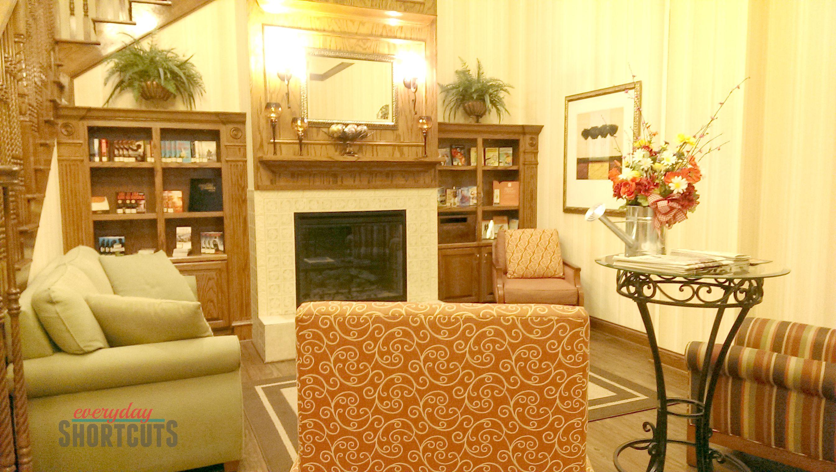 country inn & suites lobby