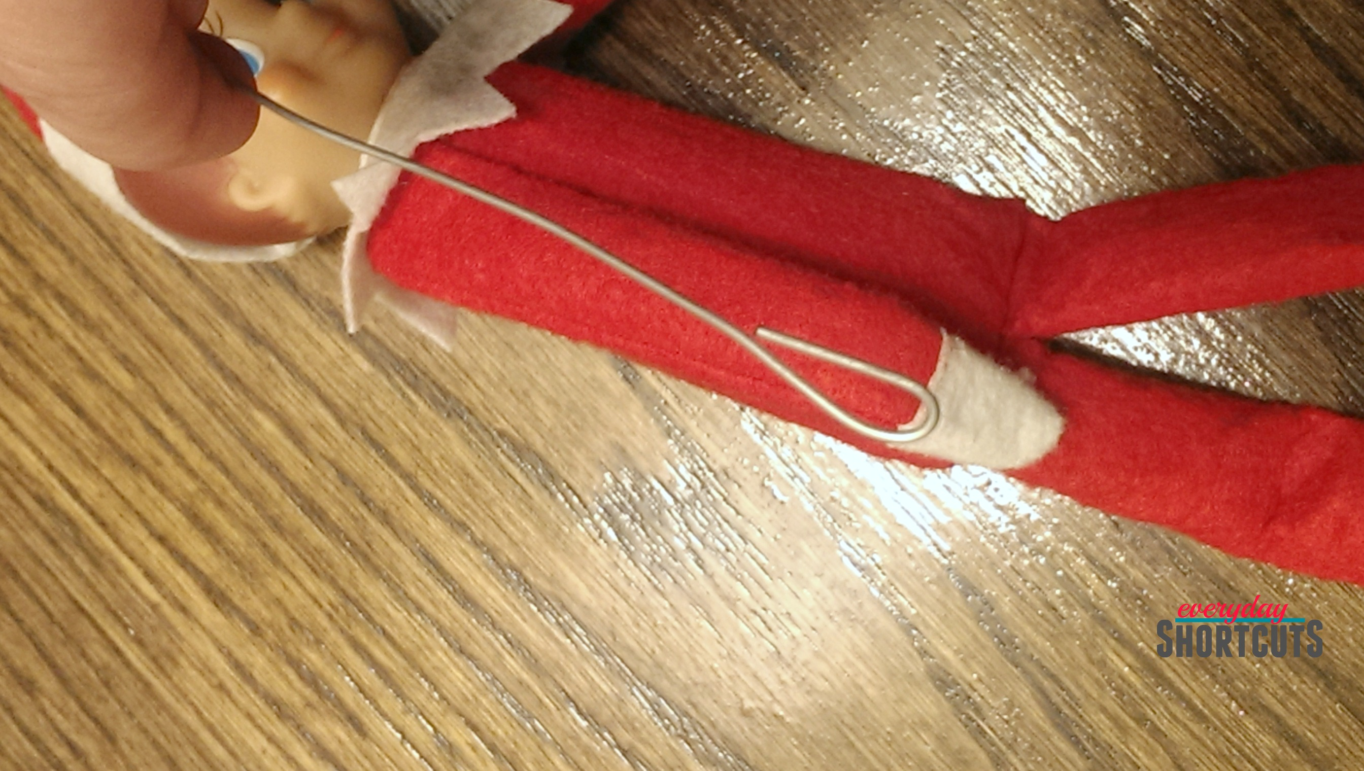 elf on the shelf looped wire