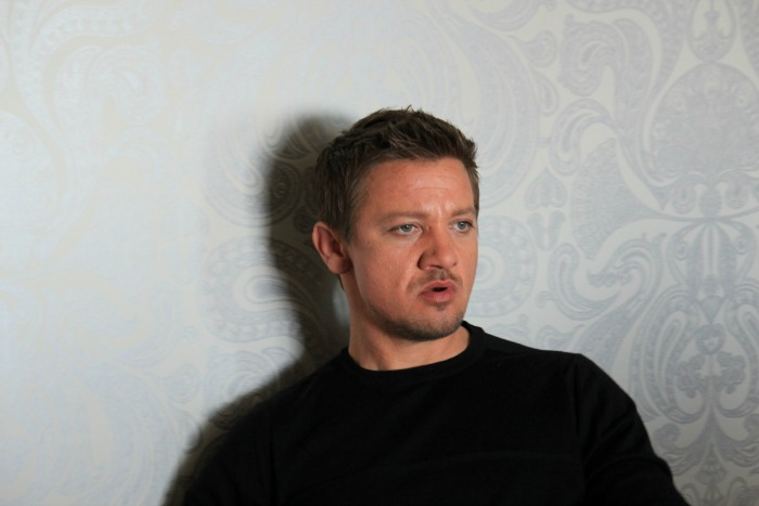 Exclusive Interview with Jeremy Renner & Elizabeth Olsen
