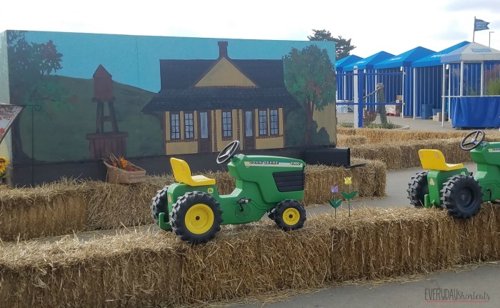 tractor-maze
