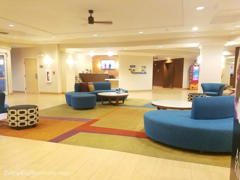 fairfield-inn-and-suites-lobby
