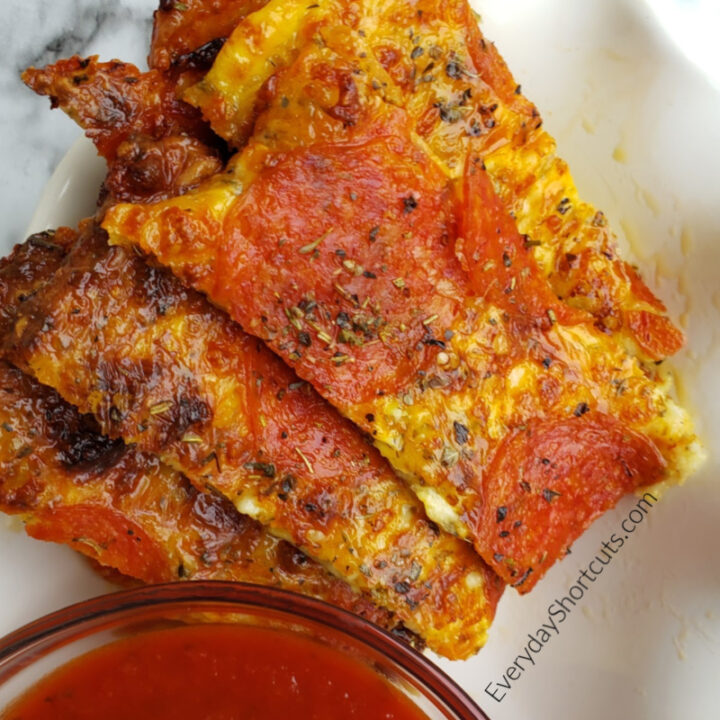 Keto Pepperoni Pizza Sticks