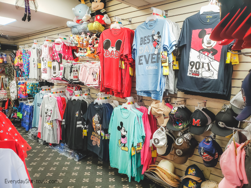 disney gift shop at howard johnson anaheim