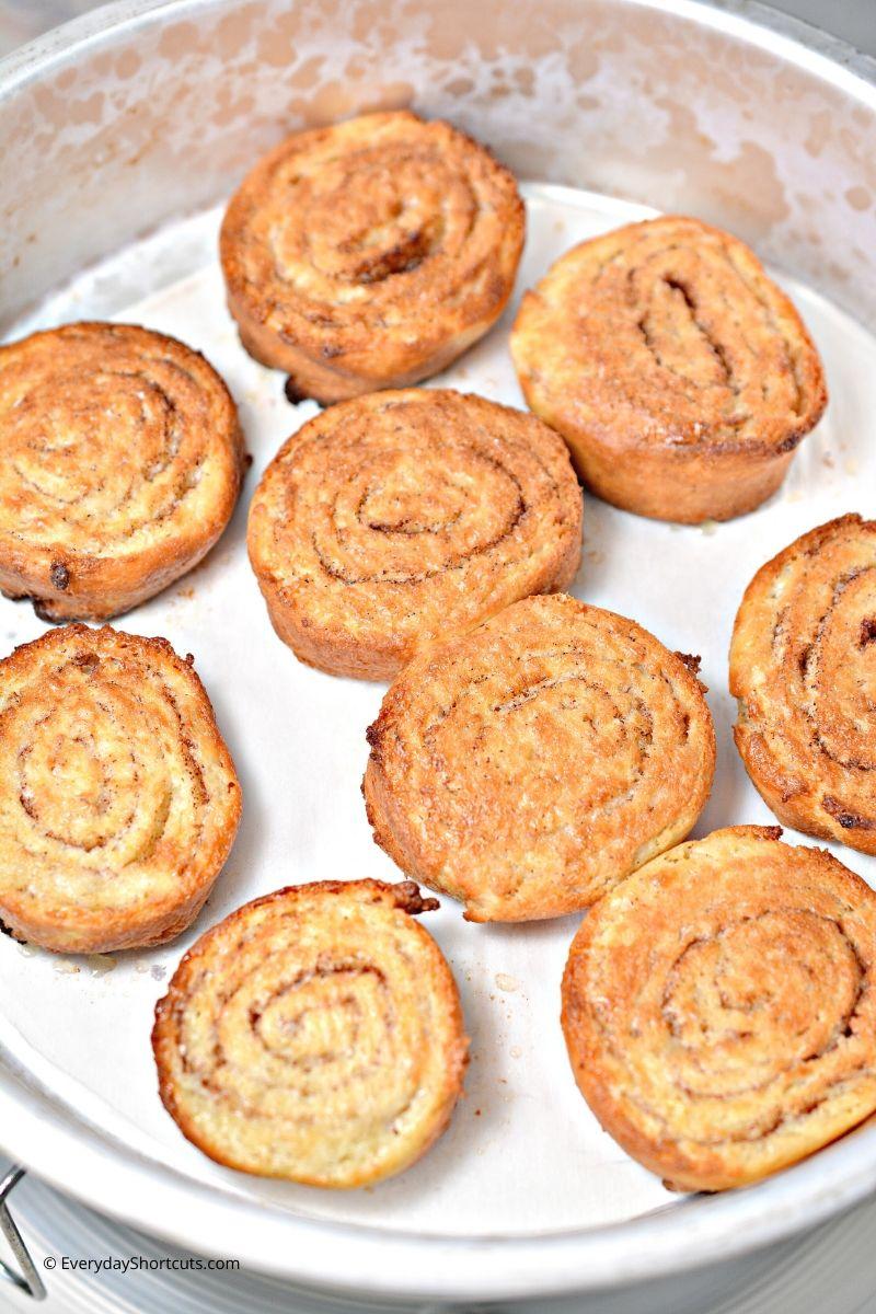 how to make Keto Air Fryer Cinnamon Rolls
