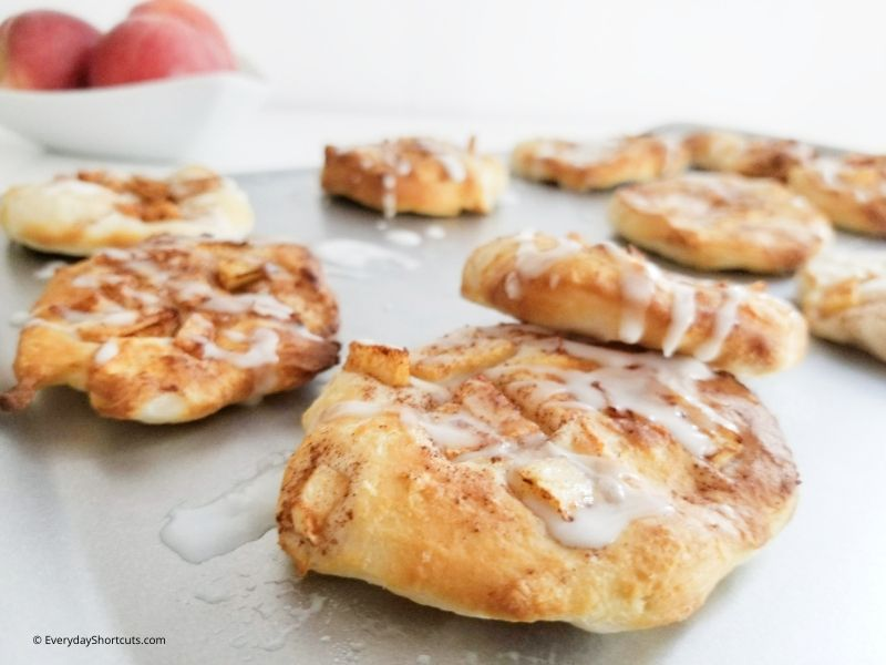 how to make air fryer apple fritters
