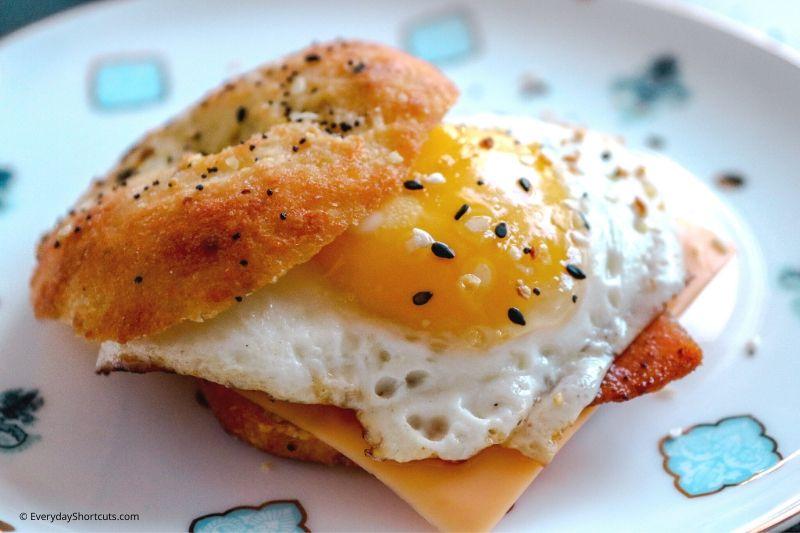 how to make a keto breakfast sandwich