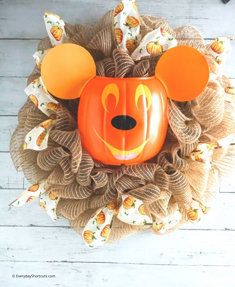 DIY Mickey Mouse Pumpkin Wreath