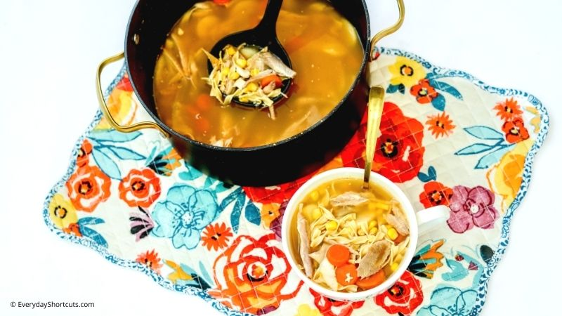 how to make Homemade Turkey Soup with turkey leftovers