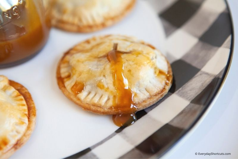 how to make Weight Watchers Caramel Apple Mini Pies