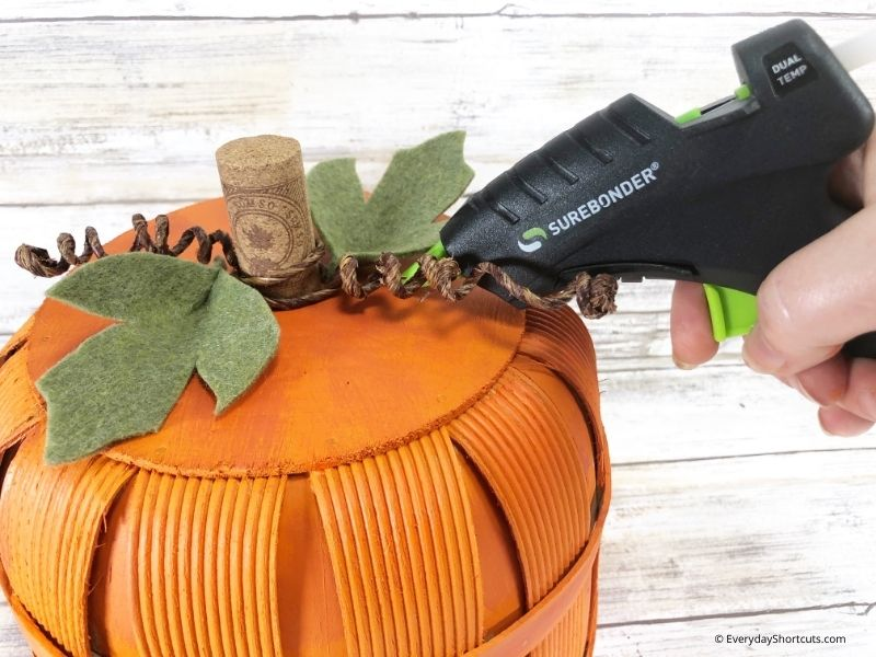 how to make pumpkin decor out of a basket