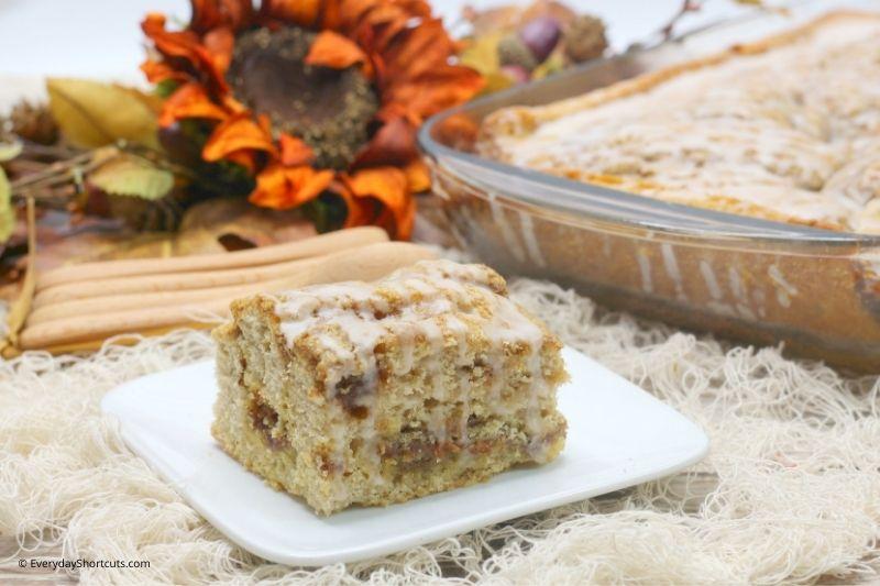 how to make Pumpkin Cinnamon Roll Cake