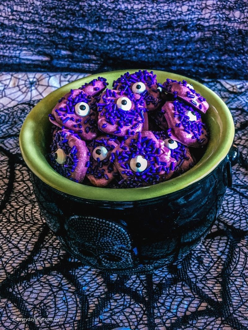 how to make Purple People Eater Pretzels