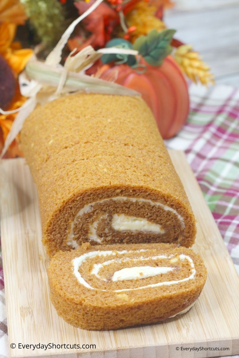 Pumpkin Spice Roll Cake