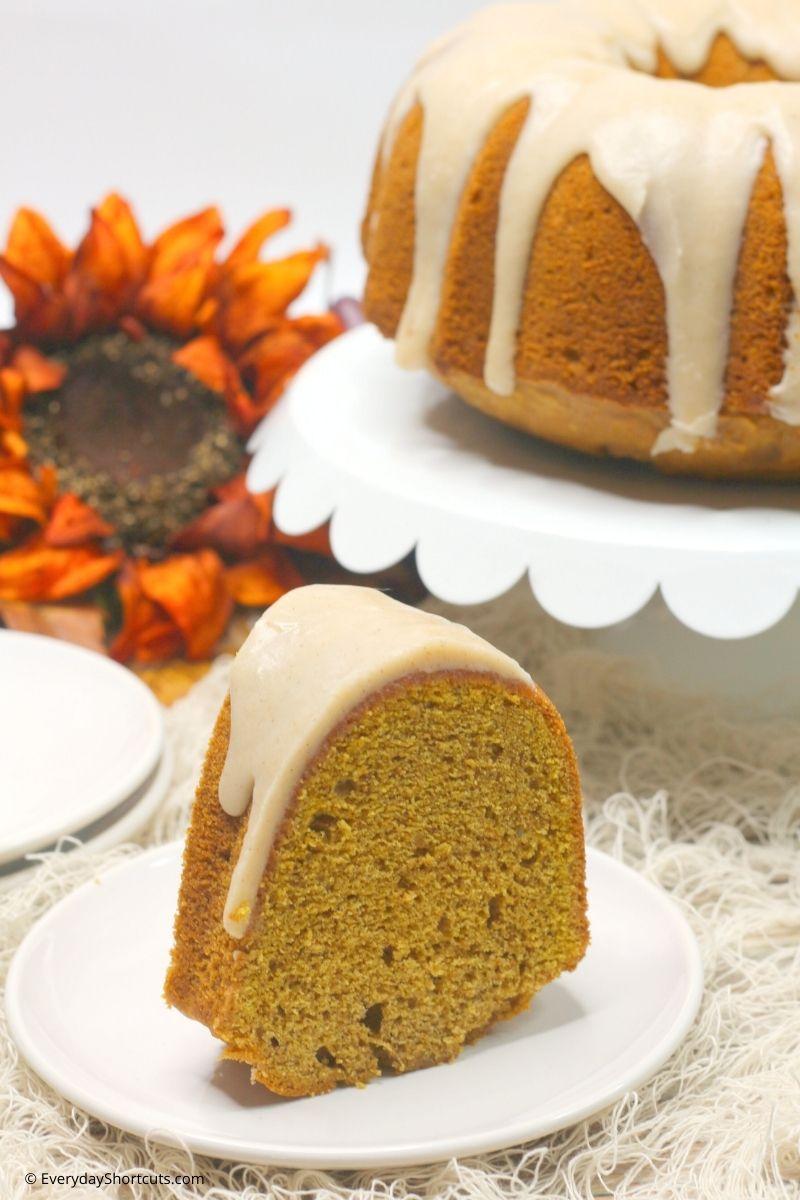 Spiced Chai Pumpkin Bundt Cake