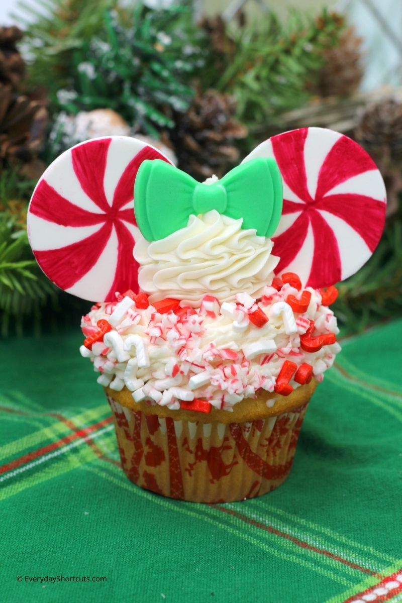 Peppermint Swirl Minnie Mouse Cupcakes