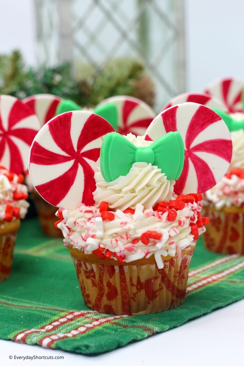 peppermint twist minnie mouse cupcakes