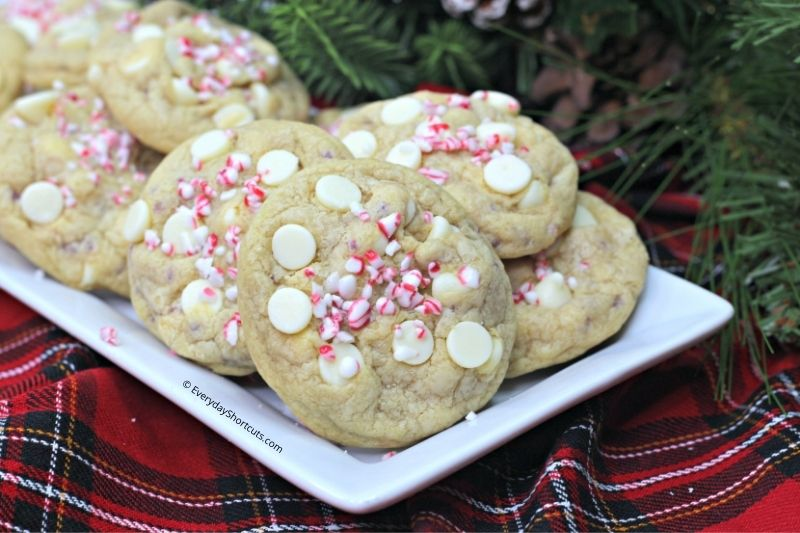 how to make White Chocolate Candy Cane Cookies