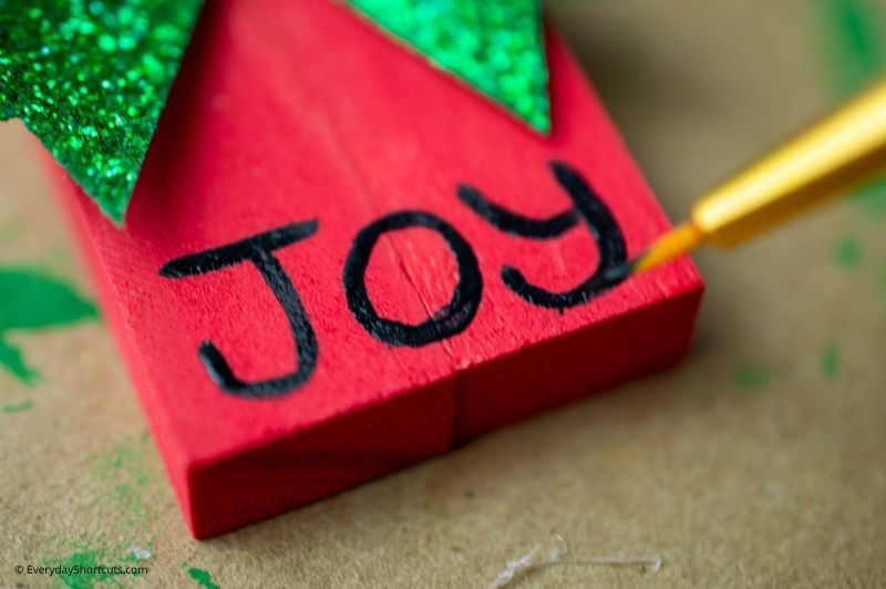 how to make Tumbling Tower Christmas Ornaments
