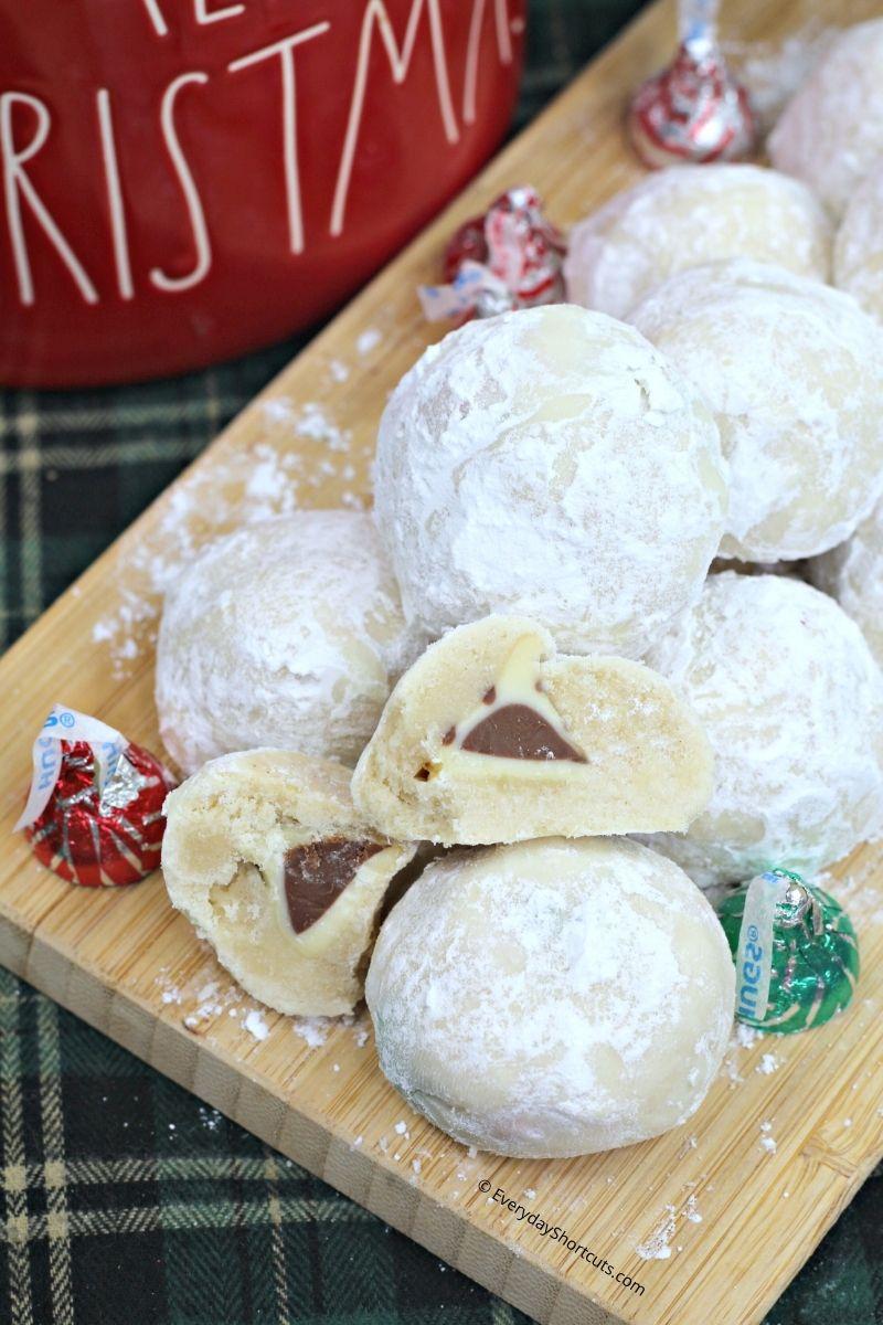 """Surprise Snowball Cookies"