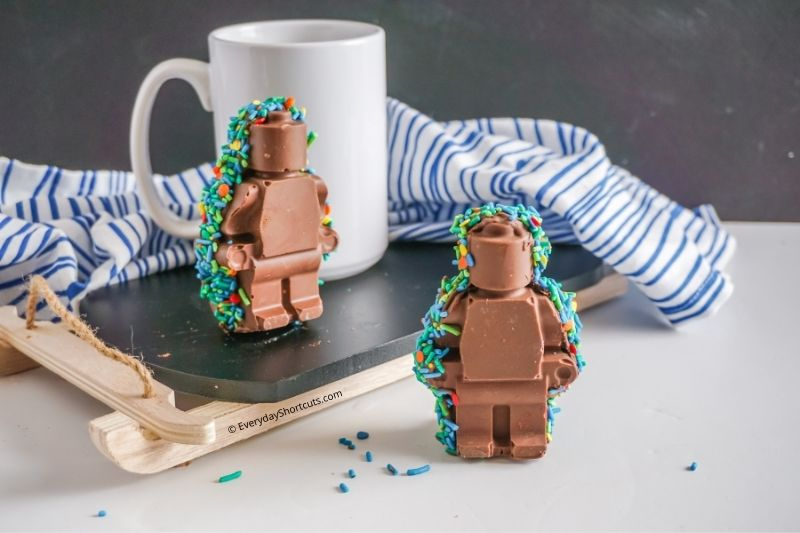 how to make lego minifigures hot chocolate bombs