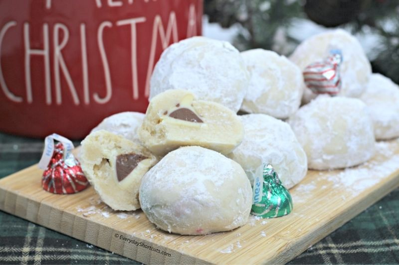 how to make Surprise Snowball Cookies