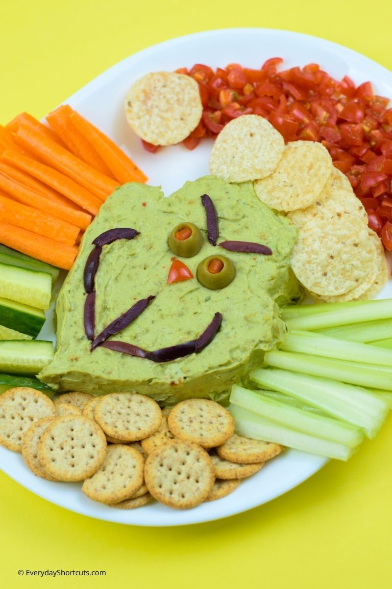how to make Grinch Guacamole