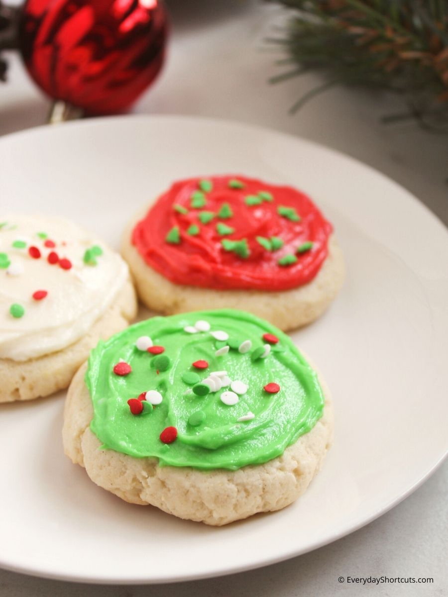 How to Make Lofthouse Style Frosted Sugar Cookies