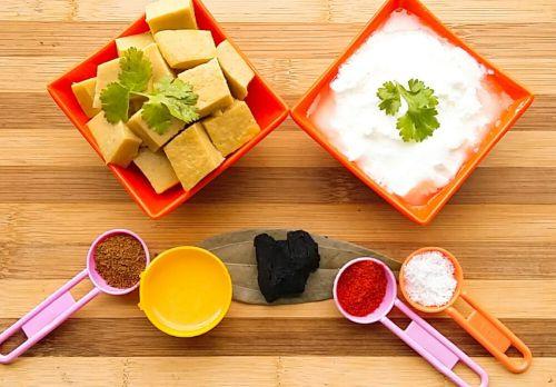 Ingredients to make raita with pitod
