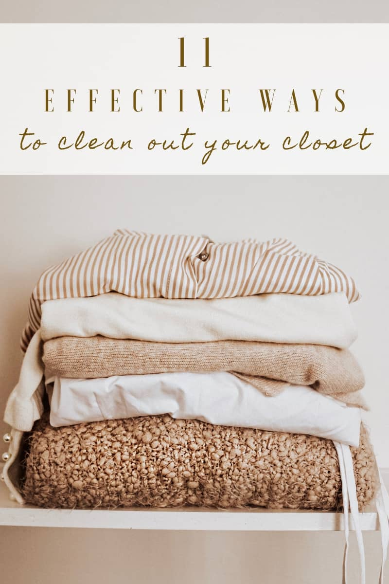 Time for a good closet spring cleaning!! Here's my best tips to help you effectively clean out your closet, stay organized, & decide what's worth keeping!