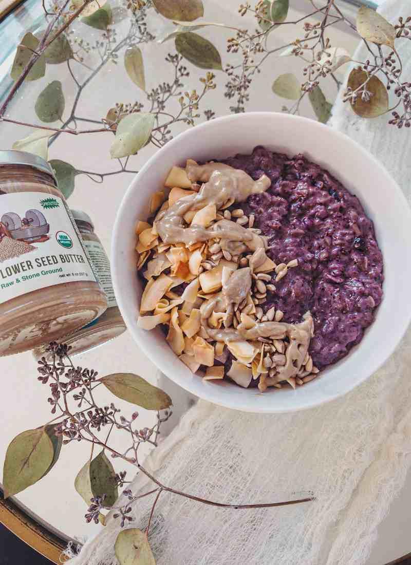 Creamy Coconut & Blueberry Oatmeal – Vegan & GF