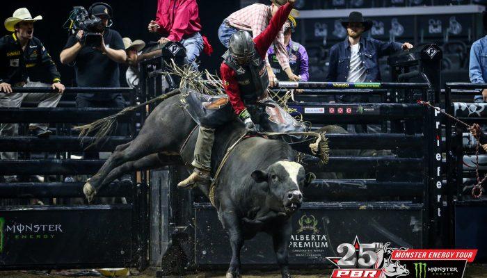 Austin Richardson Rides To First Pbr Victory In Ottawa