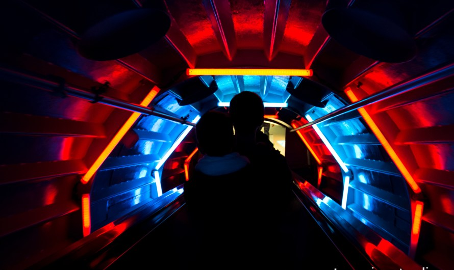 Photo of the Day: Trippy Tunnel at the Atomium