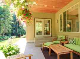7 Staging Tips for Outdoor Spaces