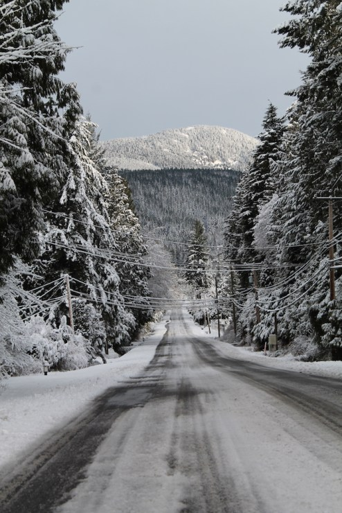 Pratt Road and Mount Elphinstone in winter.