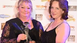 Groom of the Year Awards Hilary Curtis receiving her award from Rachael Holdsworth of Absorbine. Credit Equinational