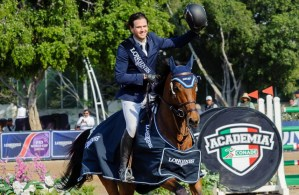 Luis Alejandro Plascencia O (MEX) guided home his 10-year-old Dutch Warmblood stallion Da Vinci to victory in his World Cup qualifier debut on home soil at today's Longines FEI World Cup™ Jumping Guadalajara (MEX). (FEI/ Peter Llewellyn)