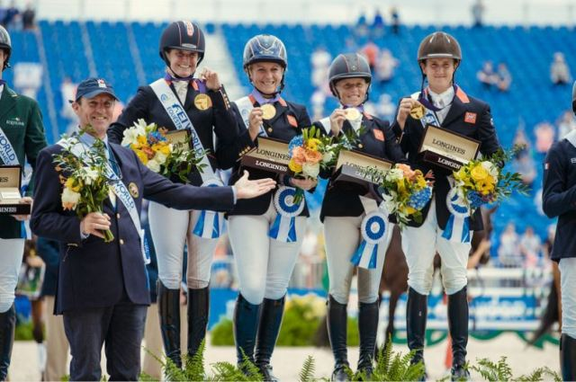 FEI World Equestrian Games™ Tryon USA Gold Medalists Great Britain. left to right : Major Richard Waygood, Piggy French, Gemma Tattersall, Ros Canter, Tom McEwen Photo FEI/Christophe Tanire