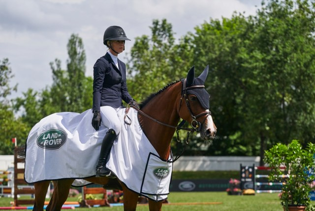 Ellen Whitaker and Colombia de Beaufour, winners of the 1.45m Land Rover Trophy LGCT Madrid