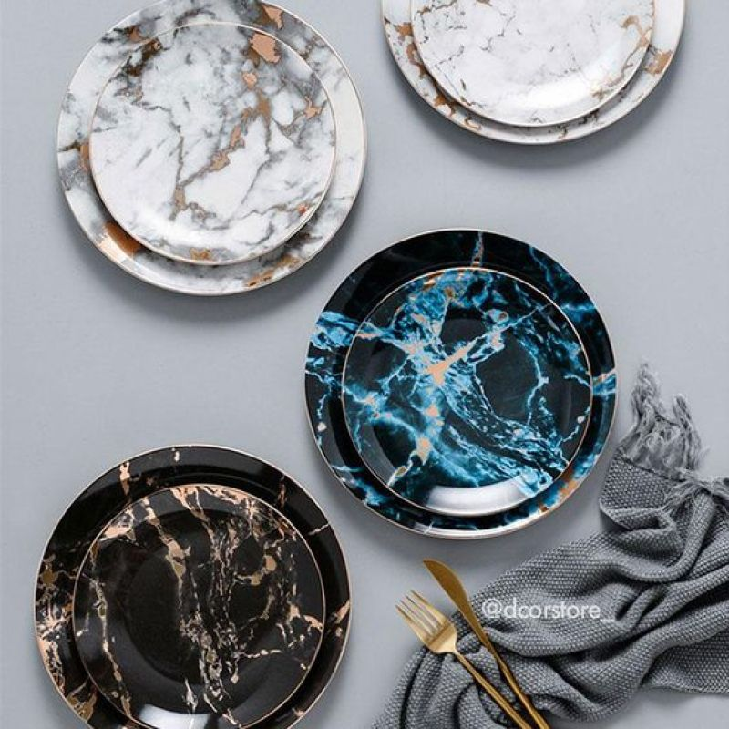 Carrara marble plates by Dcor Store